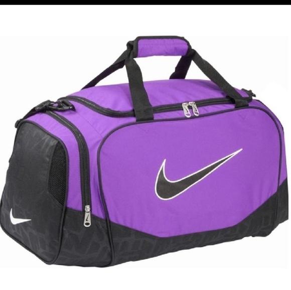 da3e87e5396e Purple Nike Duffle Bag. M 5c30cca40cb5aa2a90524536